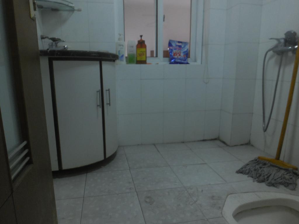 广济苑公寓 4室2厅2卫 155.0万