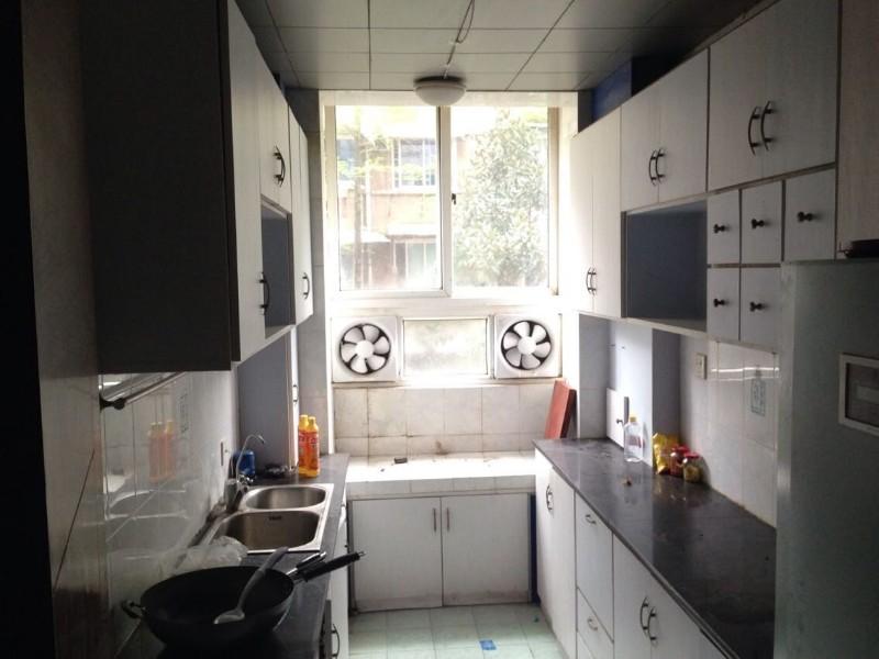广济苑公寓 3室2厅2卫 85.0万