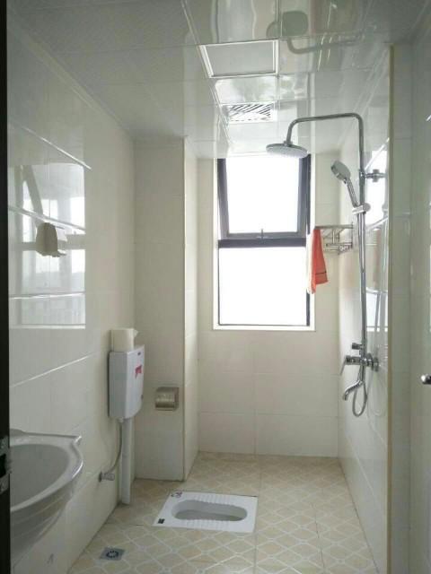 莱茵城  3室2厅2卫    105.0万
