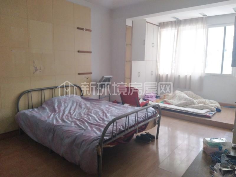 广济苑公寓 3室2厅1卫 125.0万