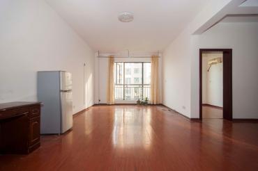 首付25万长盛岚庭,朝南户型,简装3房随时看房,性价比高