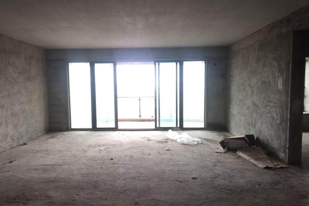 南湖明珠  5室2厅3卫    468.0万