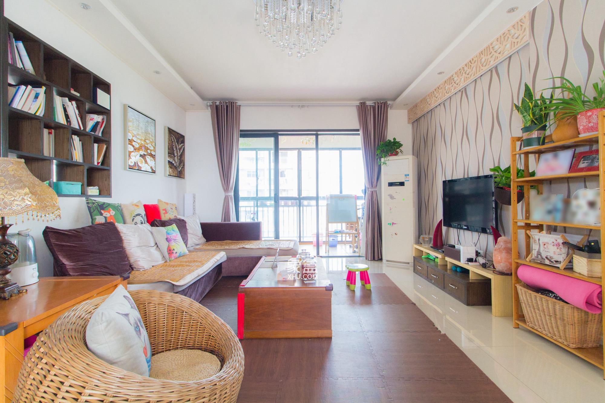 莱茵城  3室2厅2卫    147.0万