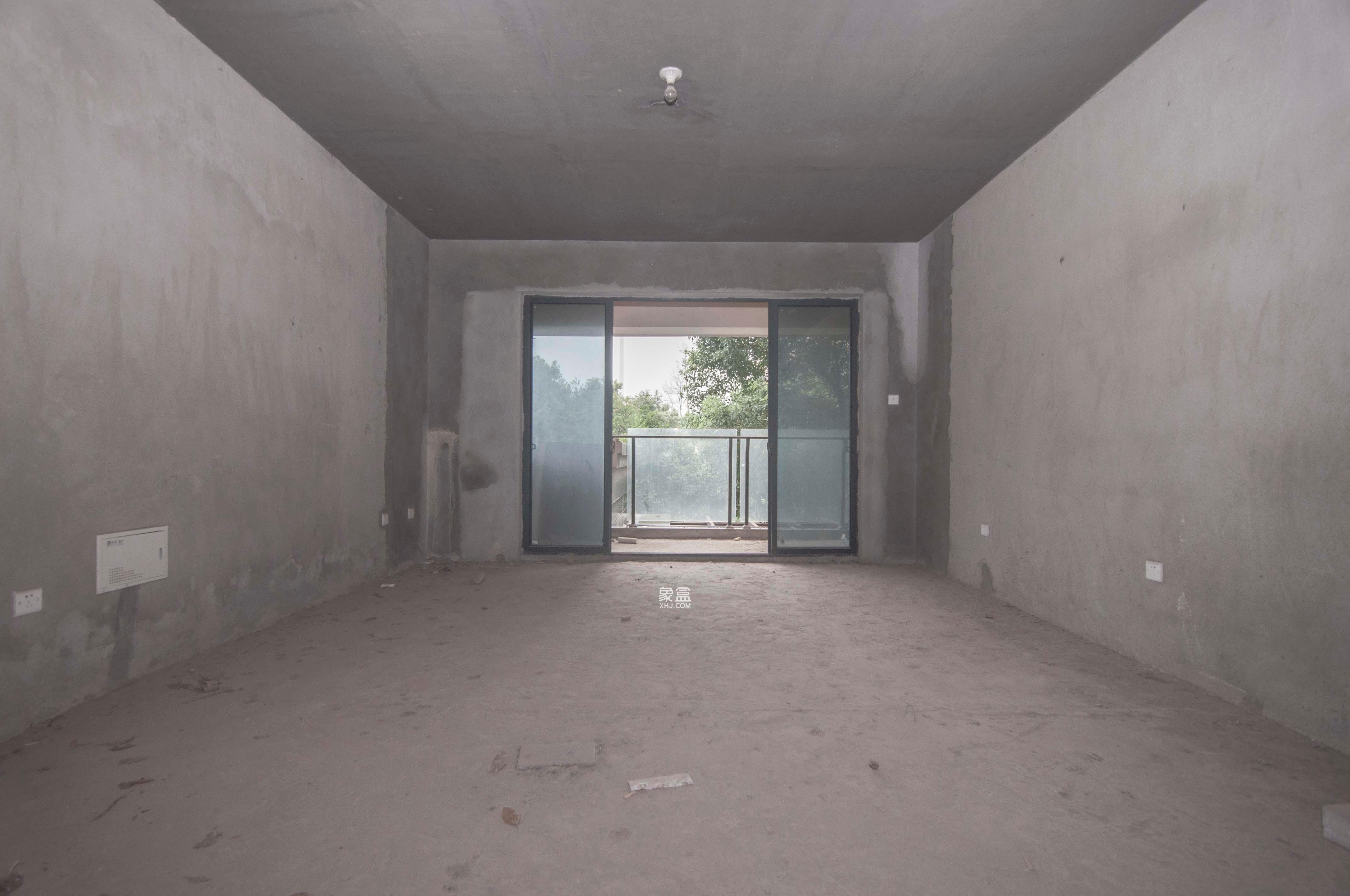保利花园  3室2厅2卫    130.0万