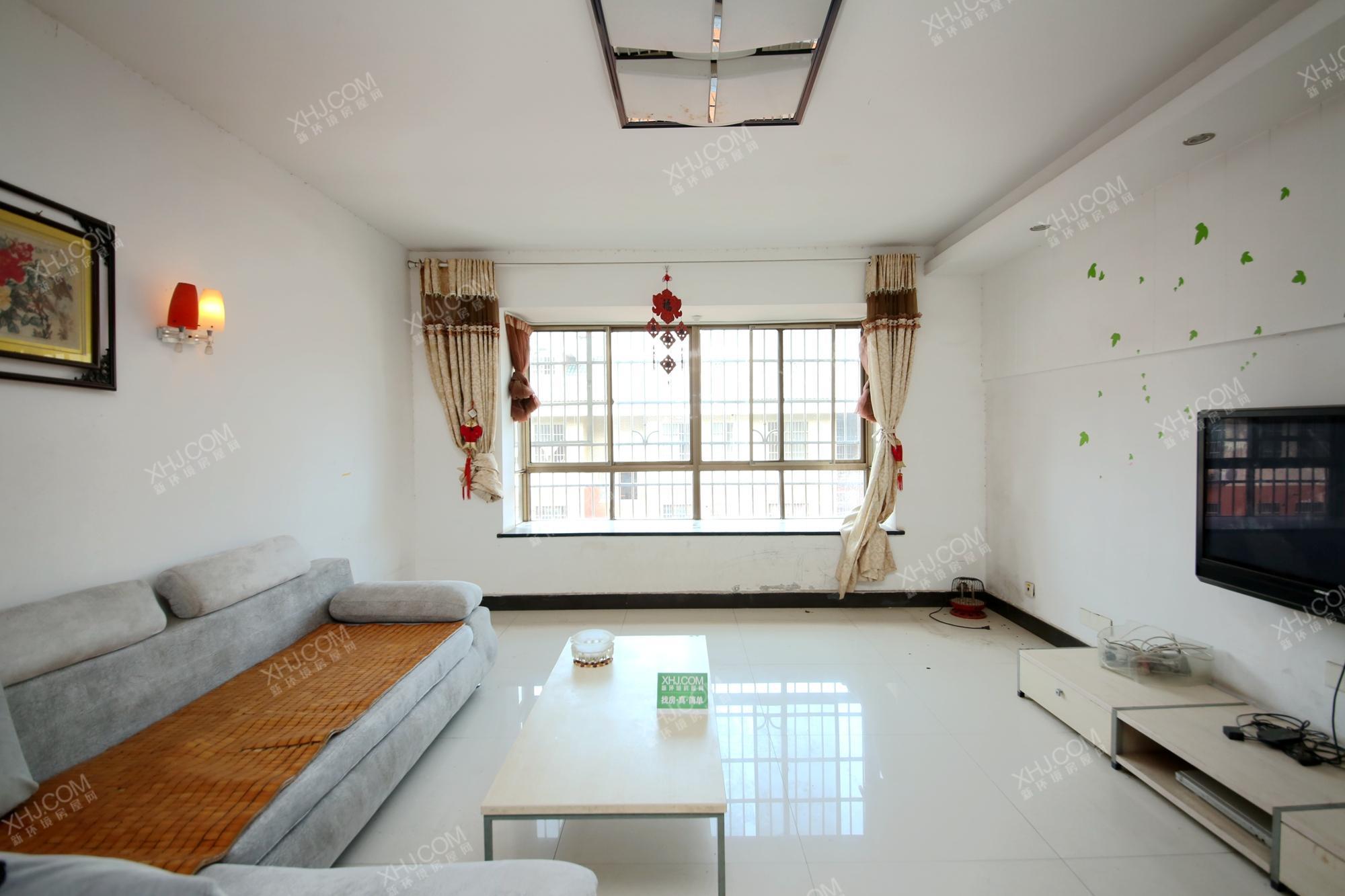 莲湖汽配城  5室2厅2卫    125.0万