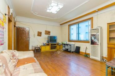 省农办火星宿舍  4室2厅1卫    98.0万