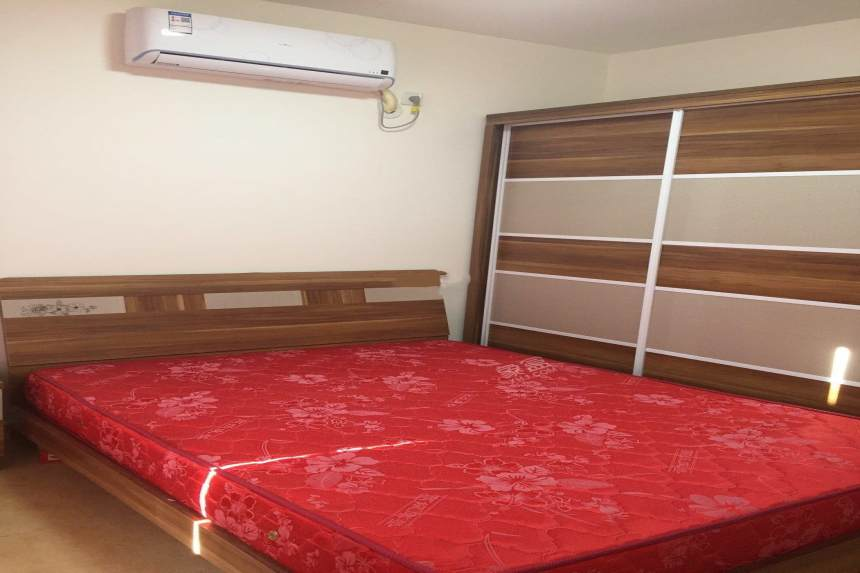 蓝光COCO金沙三期  3室1厅1卫    2500.0元/月