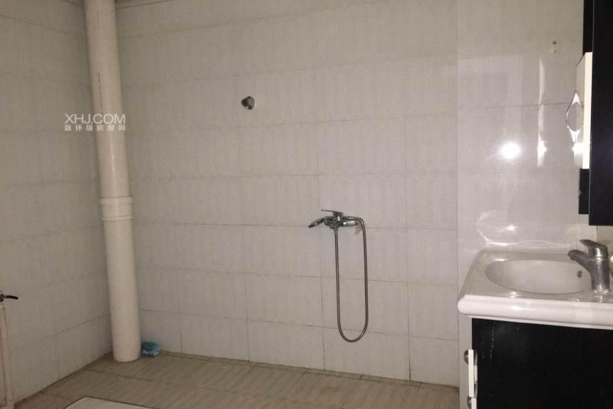 西南花园  3室2厅1卫    1300.0元/月