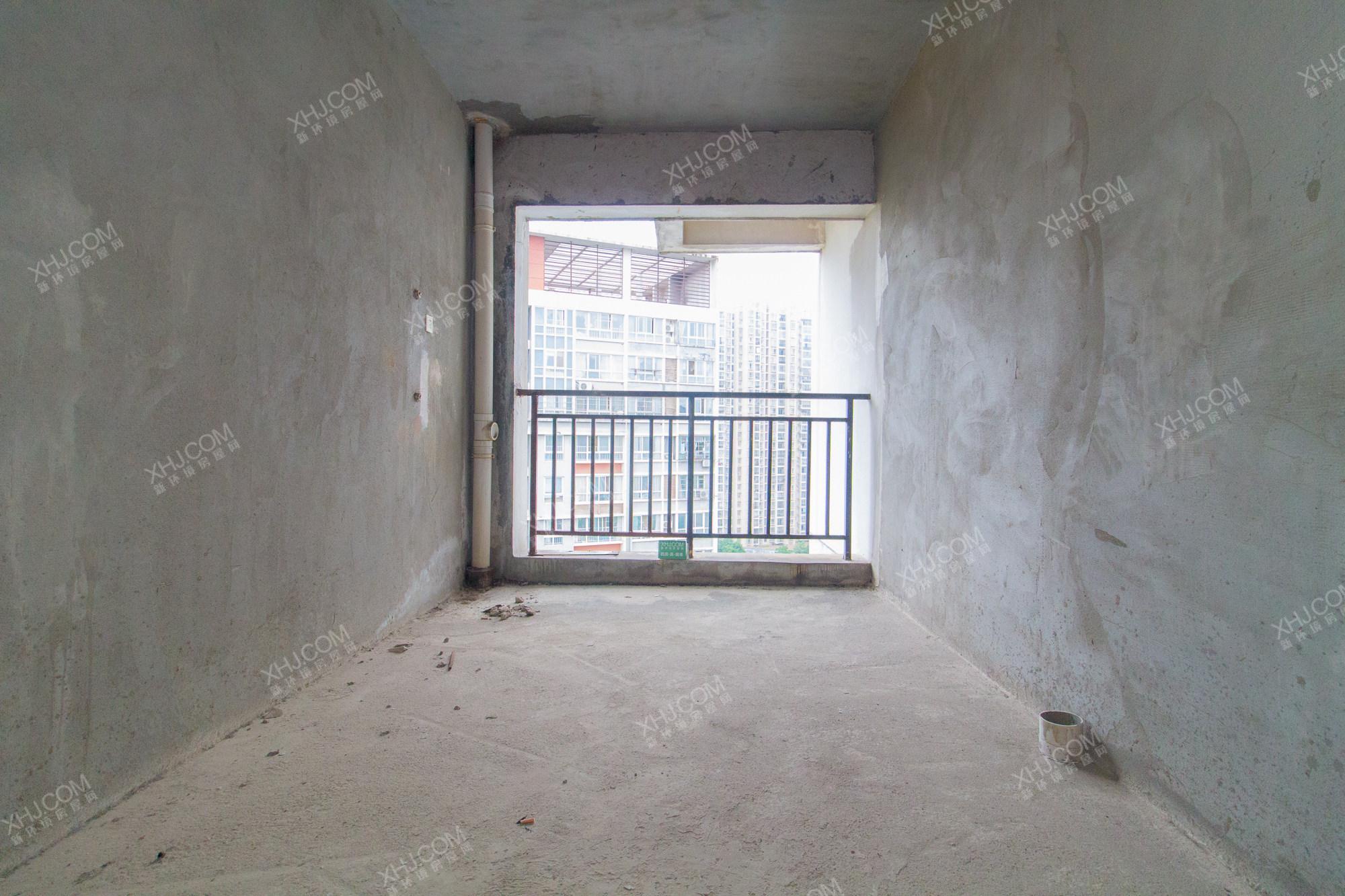 麓山润城  3室2厅2卫    123.0万