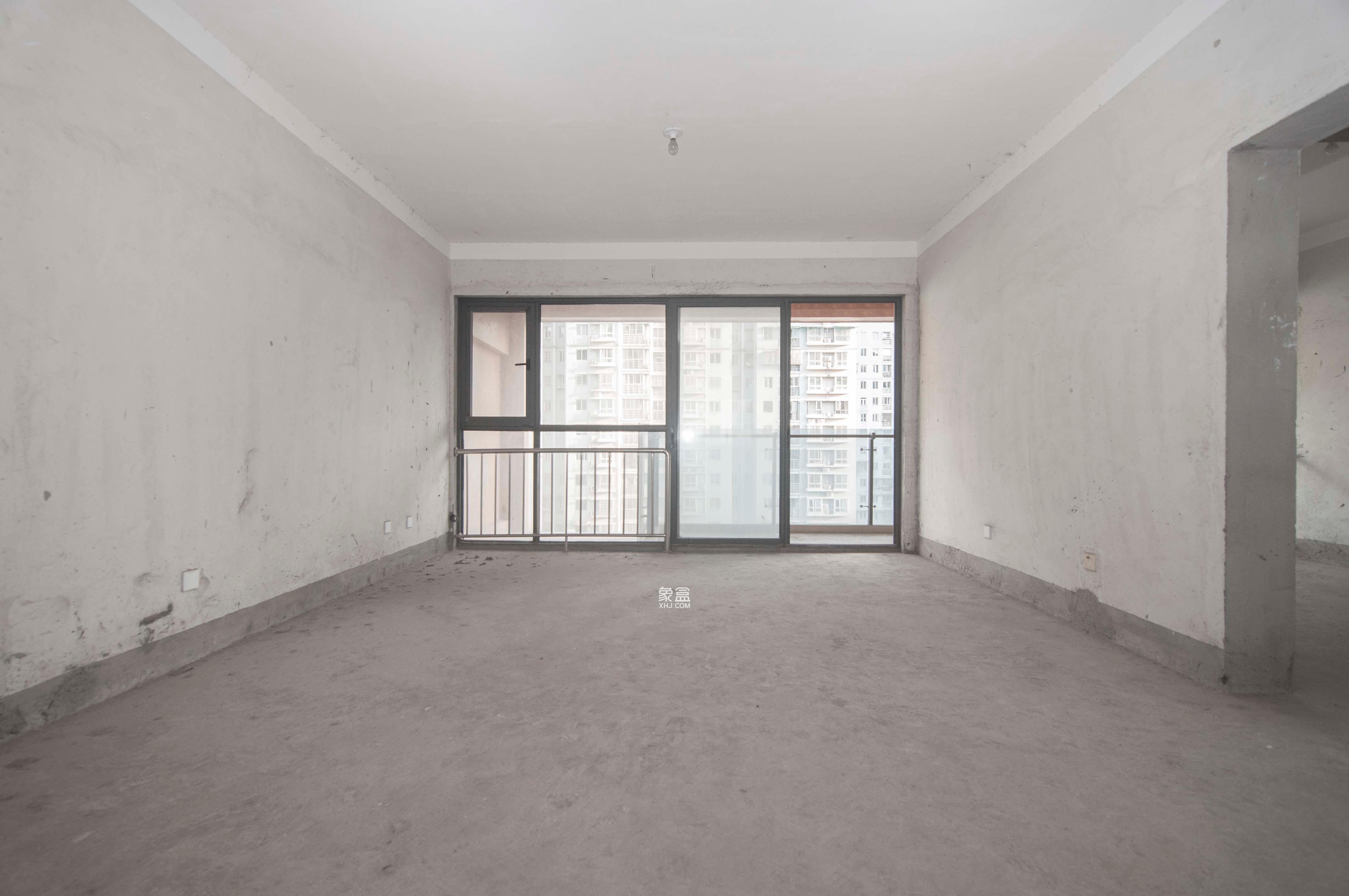 博林金谷  3室2厅2卫    185.0万