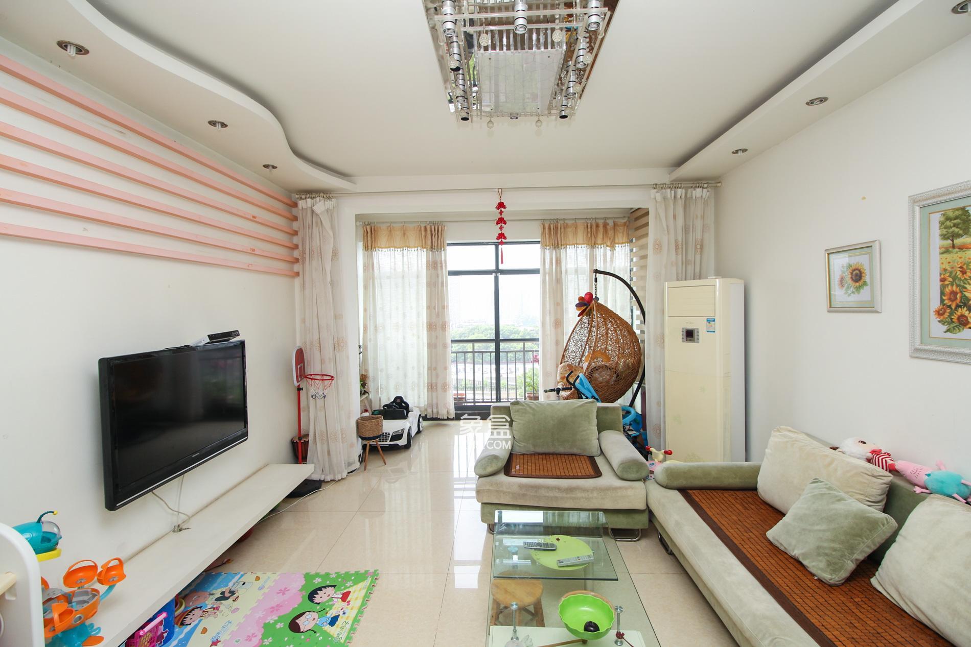 上海城一期纯板楼户型  2室2厅1卫