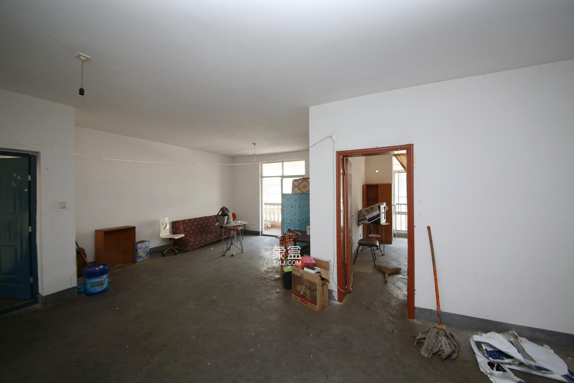 星沙汽配城  3室2厅1卫    51.8万