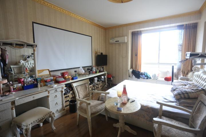尚格名城春江花月  4室2厅2卫    128.0万