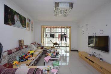 圣力華苑  3室2廳2衛    房東置換,產權清晰,歡迎咨詢
