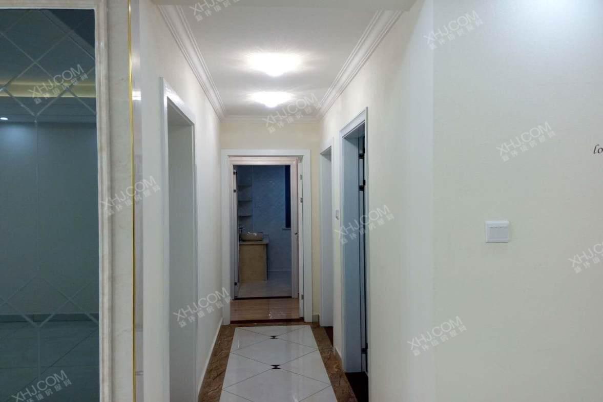 捌海常德公馆  3室2厅2卫    98.0万