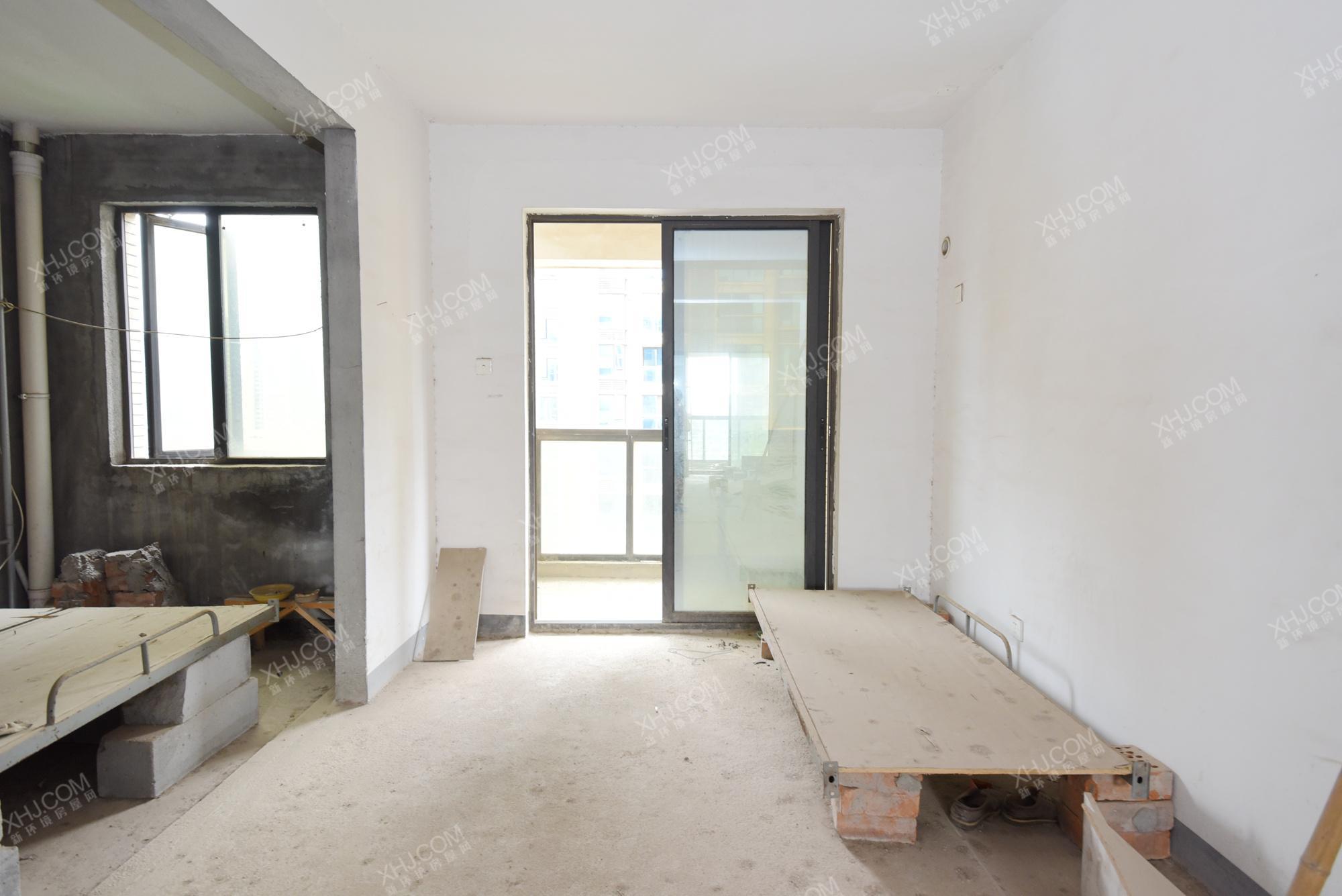长房白沙湾  3室2厅2卫    220.0万