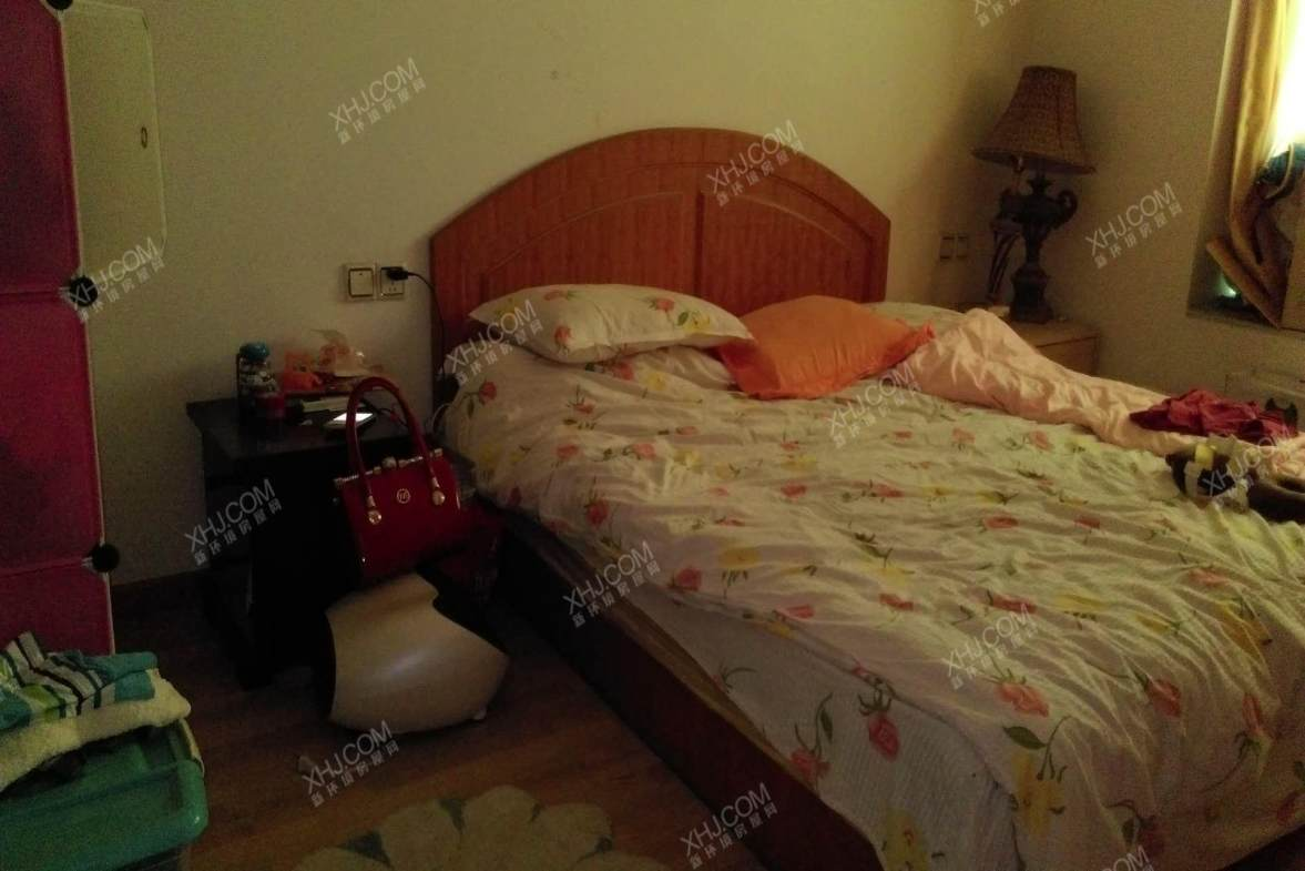 金耀园  3室2厅2卫    145.0万