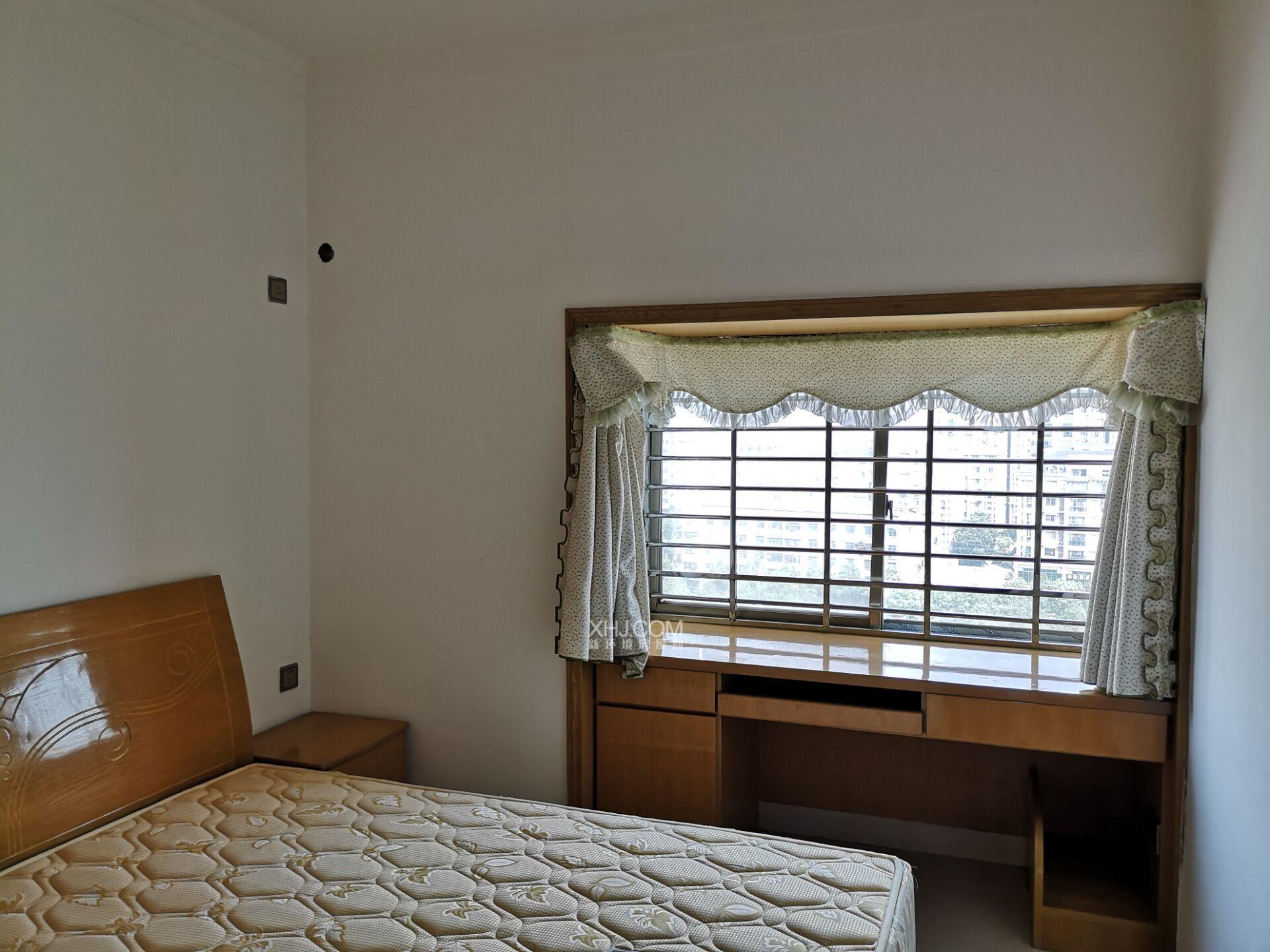 嘉信西城香山  3室2厅2卫    93.8万