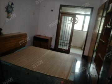 房间宽敞明亮,室内整洁干净,附近交通便利